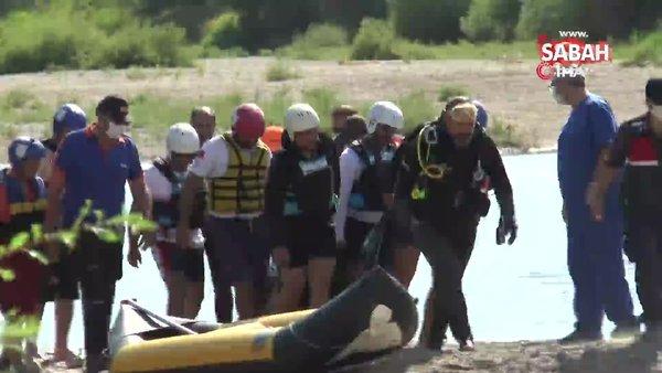 Kayseri'de yüzme bilmeyen baba, çocuklarını kurtarmak için girdiği nehirde çocukları ile birlikte boğularak öldü   Video