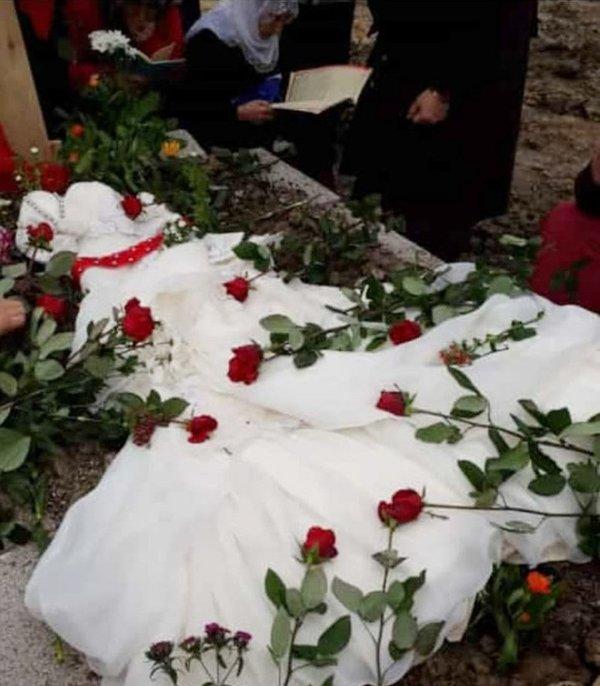 Bu acının tarifi yok... Giyemediği gelinliği mezarının üzerine örtüldü