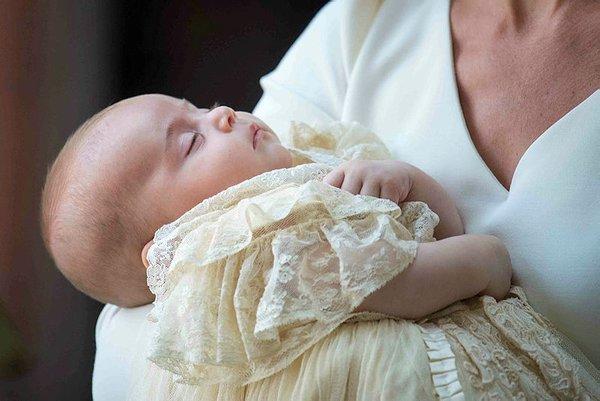 Prens William ve Kate Middleton ailesinin beş üyesi ilk kez aynı karede