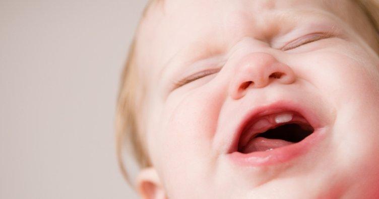 Bebeklerde diş çıkarma belirtileri ve tablosu: Bebeklerde diş çıkarma huzursuzluğu ne kadar sürer ve nasıl geçer?