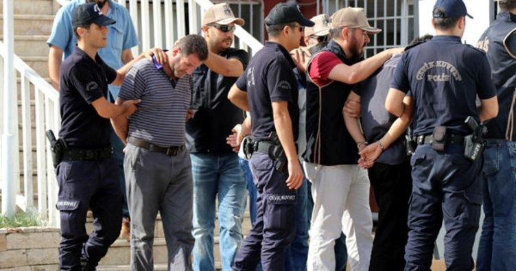 Hatay'da yakalanan canlı bombalar tutuklandı