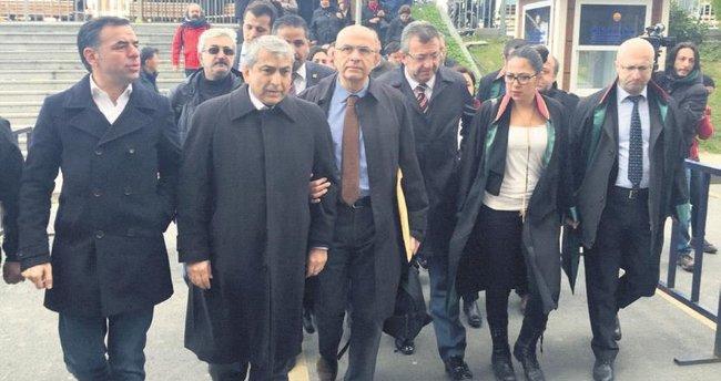 CHP'li Berberoğlu FETÖ'den yargılanıyor