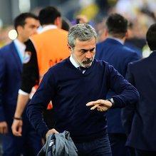 Fenerbahçe'de, Aykut Kocaman gitti Phillip Cocu devri başladı