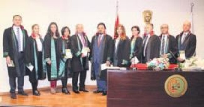 Bursa Barosu'nda devir teslim töreni
