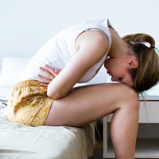 Adet ağrısını en hızlı ne geçirir? Regl ağrısına ne iyi gelir?