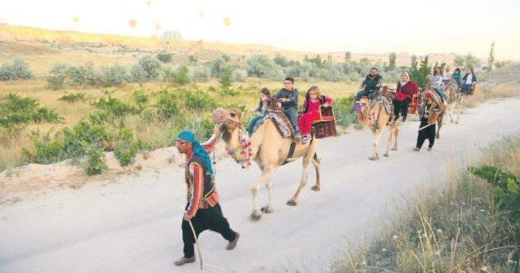 Kapadokya'da deve safari