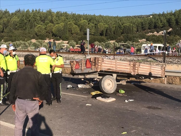 Son dakika: Manisa'da korkunç kaza! 2 ölü, 10 yaralı...