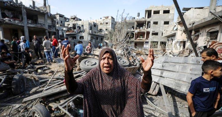 Bebek katili İsrail füzeyle vurdu! Hamile kadını 4...