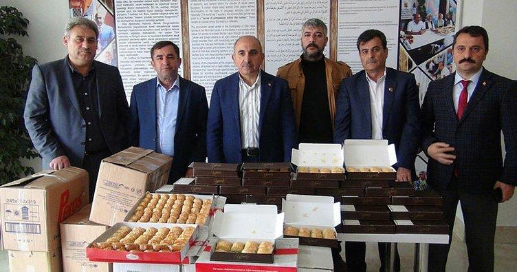 Mehmetçiğe Sevgililer Günü'nde 500 kilo baklava