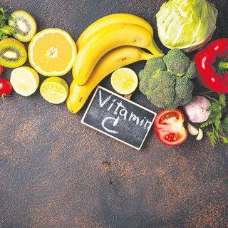 Doç. Dr. Halit Yerebakan'dan sağlıklı yaşam için öğütler: C vitamini ile yüzünüzden 10 yılı silin