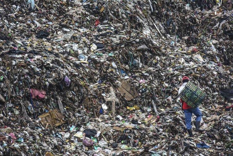 Endonezya'nın en büyük çöplüğü