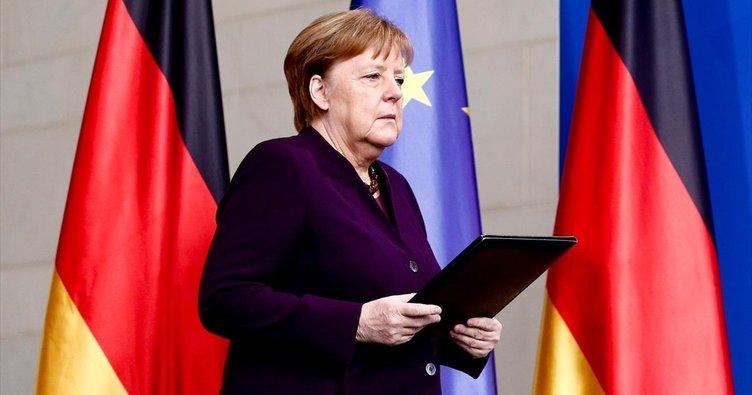Merkel'den istifa resti