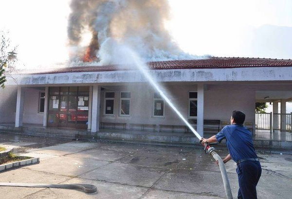 Cezaevinde yangın paniği