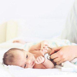 Bebeğiniz çabuk yoruluyor morarıyorsa kalbine baktırın