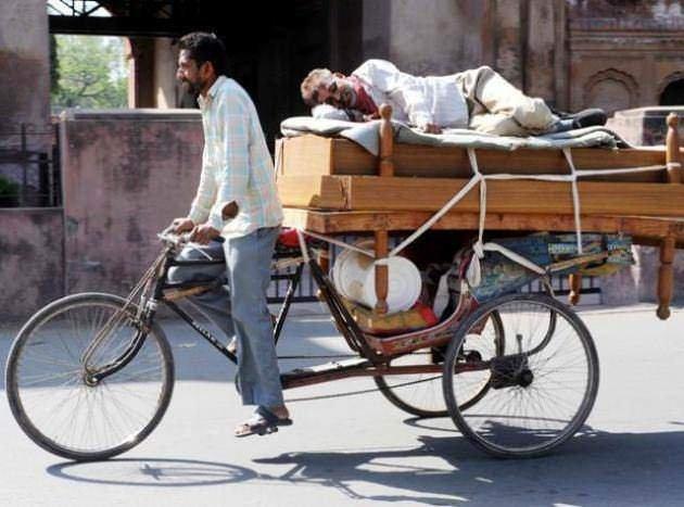 Hindistan'dan ilginç kareler!