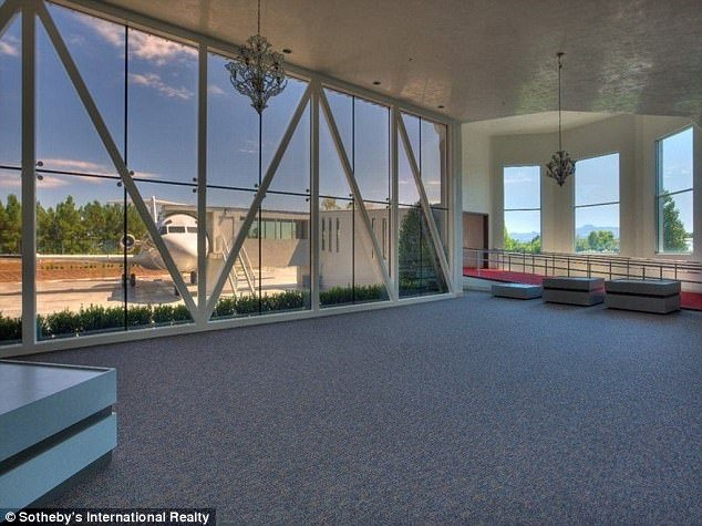 48 milyon dolarlık havalimanlı malikane!