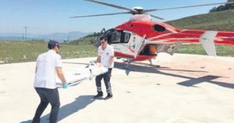 Yaralı çocuk için helikopter ambulans