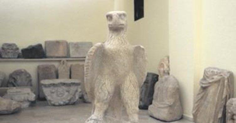 İki bin yıllık kartal heykelleri