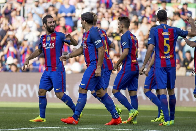 Arda Turan, Barcelona tarihine geçti!