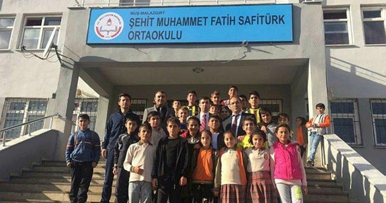 Şehit Kaymakam Safitürk'ün adı Malazgirt'te bir okula verildi