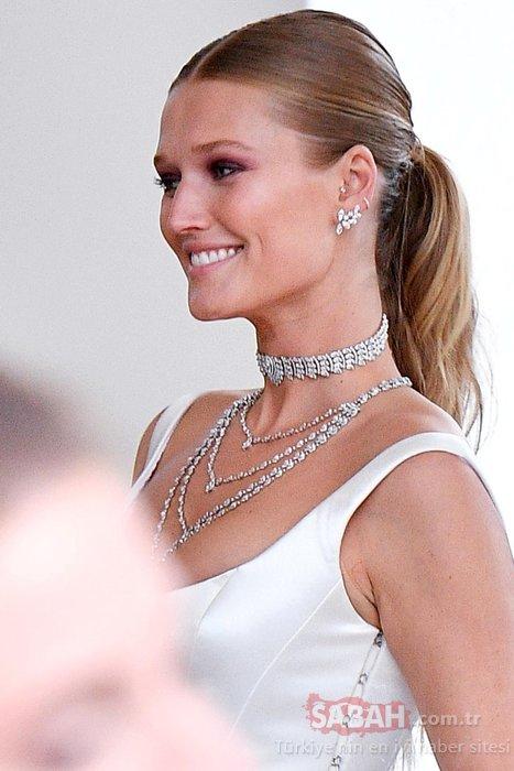 Leonardo DiCaprio'nun eski sevgilisi ünlü model Toni Garrn güzelliğiyle büyüledi!