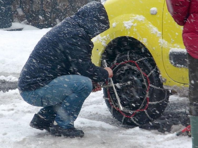 Karlı havada otomobil kullanma teknikleri