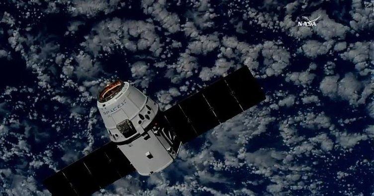 SpaceX'in kargo kapsülü uzay istasyonuna vardı