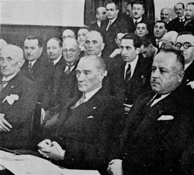 Geçmişten günümüze CHP kurultayları