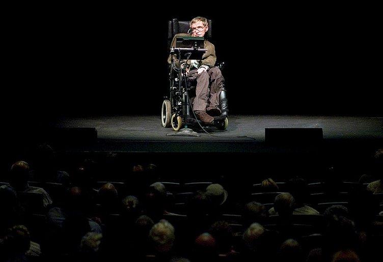 Evrenin gizemini çözmeye adanmış bir yaşam: Hawking