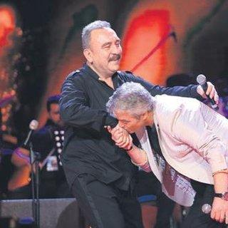 Cengiz Kurtoğlu'nu şaşırtan Mustafa Sandal sürprizi