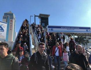 İstanbul Kitap Fuarı'na yoğun ilgi! Metrelerce araç kuyruğu oluştu