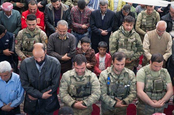 Terörden sonra Afrin'de ilk cuma namazı kılındı!