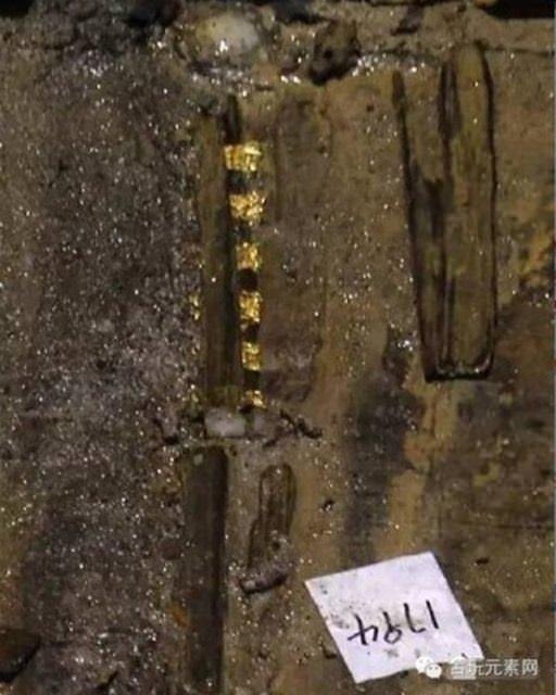Arkeologlar mezarı açınca gözlerine inanamadılar!