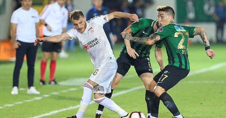 Akhisarspor ile Sivasspor puanları paylaştı