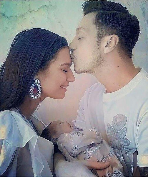 Amine Gülşe'den ağabeyine dudak uçuklatan hediye