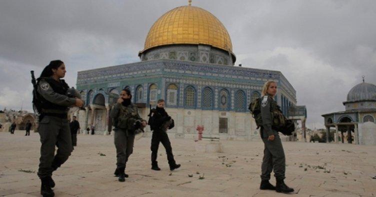 İsrail yüzlerce Filistinlinin bu cuma da Mescid-i Aksa'ya girişine izin vermedi