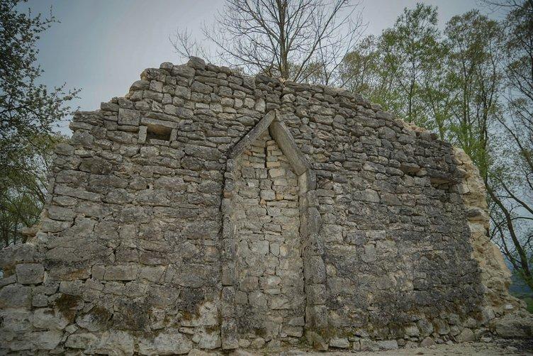 Osmanlı mezarları gün yüzüne çıkarılmayı bekliyor