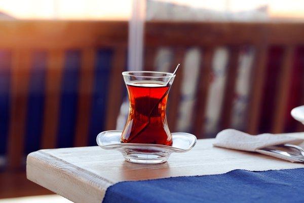 Çayı şekersiz içtiğinizde vücudunuzda olan inanılmaz değişimler!
