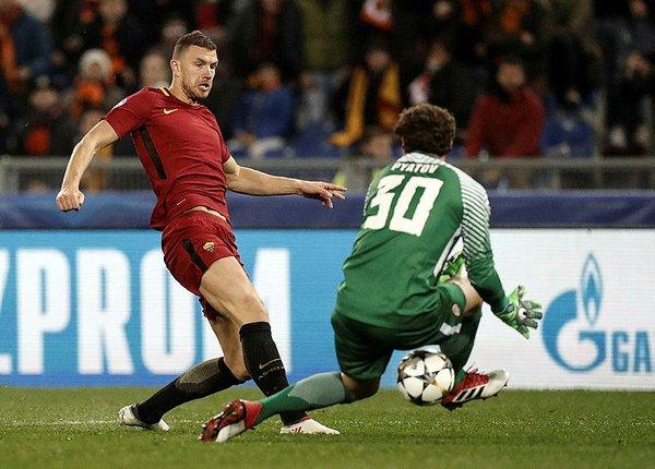 Şampiyonlar Ligi'nde Cengiz ve Roma turladı, Sevilla tarih yazdı!