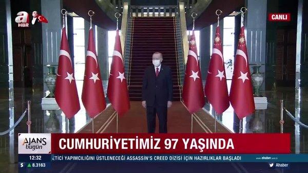Cumhurbaşkanı Erdoğan Külliye'de 29 Ekim Cumhuriyet Bayramı tebriklerini kabul ediyor | Video
