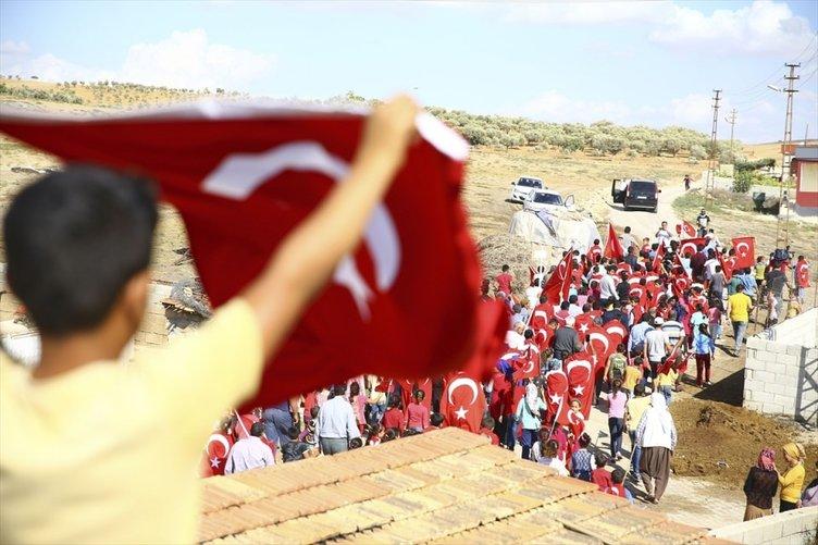 Reyhanlı'da askere destek çığ gibi büyüdü