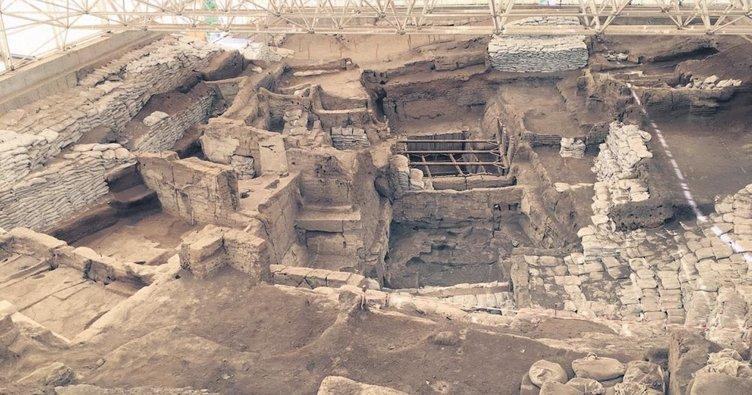 Çatalhöyük'ün kâşifi Mellaart'a büyük suçlama: O duvar resimleri sahte