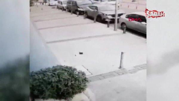 Bebek arabasıyla giderken yerdeki para dolu cüzdanı alıp, kaçtı | Video
