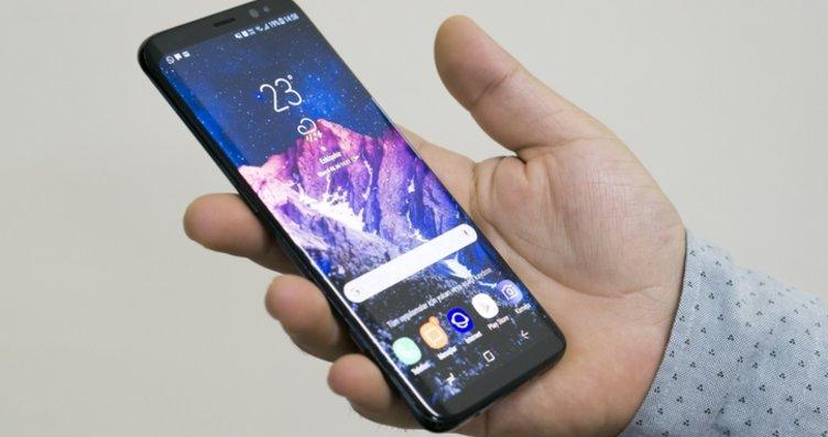 Samsung Galaxy S21'in fiyatı ortaya çıktı! Bakın...