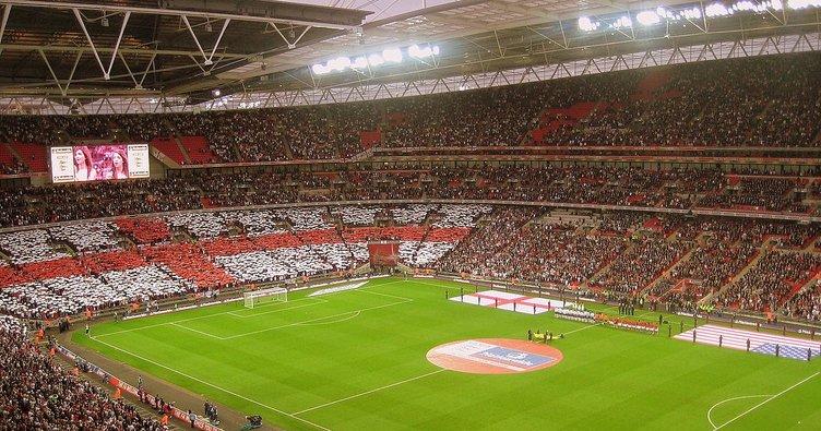 İngiltere Premier Lig'e seyirci müjdesi!