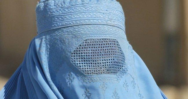 Ülkenin tamamında burka ve peçeyi yasakladılar