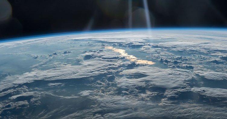 Atmosferde 4,6 milyar yıllık parçacıklar keşfedildi