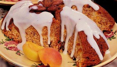 Vanilya Soslu Kayısılı Kek
