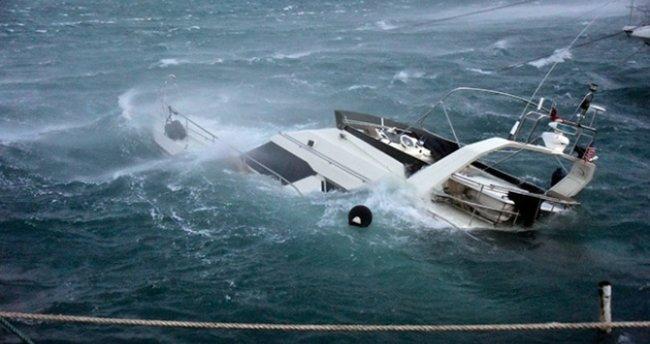 Tekne alabora oldu: 2 ölü, 2 kayıp