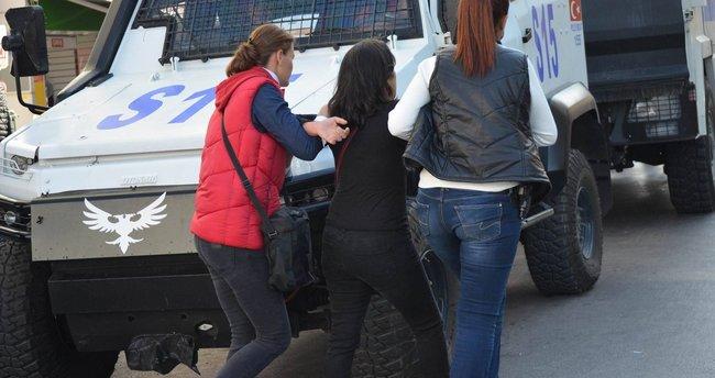 Fransız vatandaşı kadın sınırda yakalandı